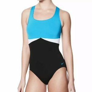 Nike Surge Crossback One Piece Swimsuit